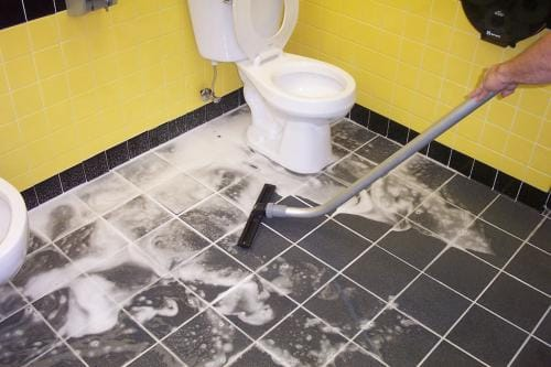 Restroom Drain Cleaning for a Better Customer Experience